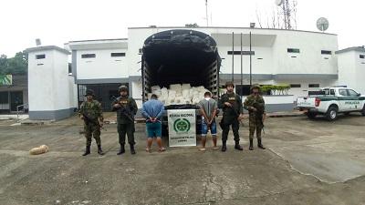 Ejército Nacional incauta 4.72 toneladas de queso de contrabando