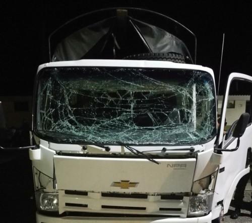 Al paso de un vehículo del Ejército, fue detonada una carga explosiva