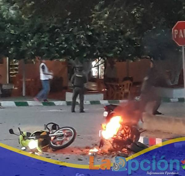 Tres policías y una persona civil resultaron lesionadas en el atentado perpetrado con moto-bomba en Tame