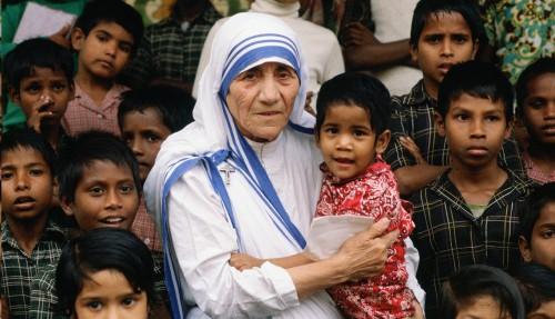 """Madre Teresa de Calcuta: """"Misionera de la Caridad, Misionera de la Paz, Misionera de la Vida"""""""