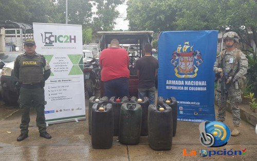 Un motocarro inmovilizado, dos personas capturadas y 110 galones de hidrocarburo incautados
