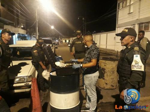 Policía fiscal aduanera aprehende hidrocarburo de contrabando