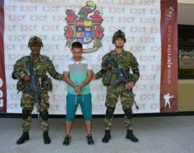 """Ejército Nacional captura a alias """"Peluco"""" o """"Nink"""", por los delitos de concierto para delinquir y terrorismo en Arauca"""