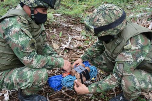 Material de intendencia ilegal fue hallado por el Ejército en Arauca, perteneciente a la décima estructura Martin Villa