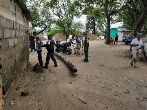 Prevención y control para evitar contrabando de productos cárnicos y perecederos realiza la policía araucana