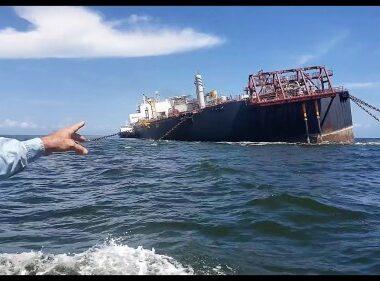 Alerta por petrolero venezolano abandonado con un millón de barriles