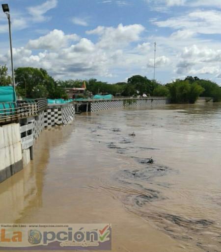 El Consejo Departamental de Gestión del Riesgo genera alerta para las comunidades rivereñas del río Arauca por presencia de hidrocarburos